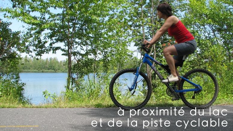Lac et piste de cyclable